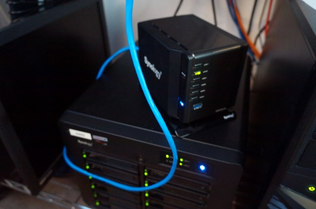 Using a single, neon blue network cable for the initial load of DSM 5